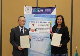 Project Professor Umemoto (left) with Dean Bibiana (right)