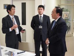 トヨタ紡織の箕浦輝幸会長が本学の視察小.jpg