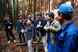 西郷林業(新城市)での視察の様子.jpg