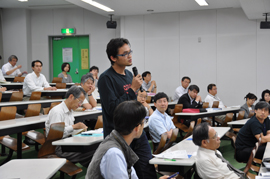 100618_Panel discussion3_s.jpg