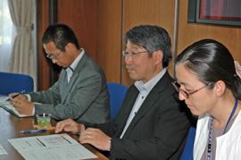 JICA(左から)  岩瀬課長、鈴木所長、川淵氏