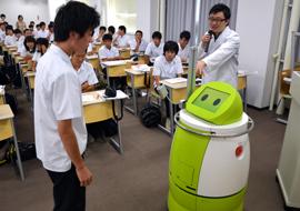 田崎助教によるロボット実演