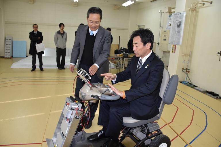 https://www.tut.ac.jp/images/151225chiryu2.JPG