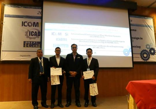 https://www.tut.ac.jp/images/170913receiving_award.jpg
