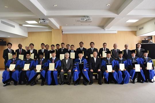 https://www.tut.ac.jp/images/170927gakui3.JPG