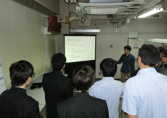 https://www.tut.ac.jp/images/171002kengaku3.JPG