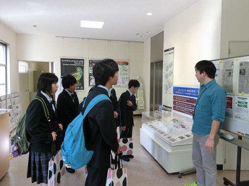 https://www.tut.ac.jp/images/171027kengaku2.JPG
