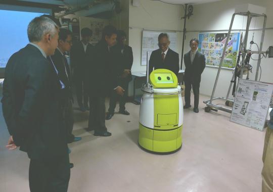 https://www.tut.ac.jp/images/181114ind-robotc.jpg