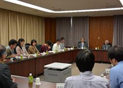 益川敏英 名古屋大学素粒子宇宙起源研究機構 機構長 とのスーパーリーダー塾の様子