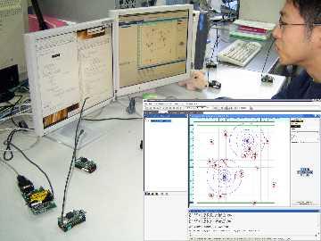 無線センサネットワークの実装実験とシミュレーション実験の様子